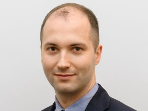 akcje-czy-fundusz-akcyjny-grzegorz-olszewski-agio-tfi
